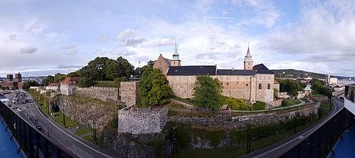 500px-Akershus_Fortress_(Panorama)_3.jpg